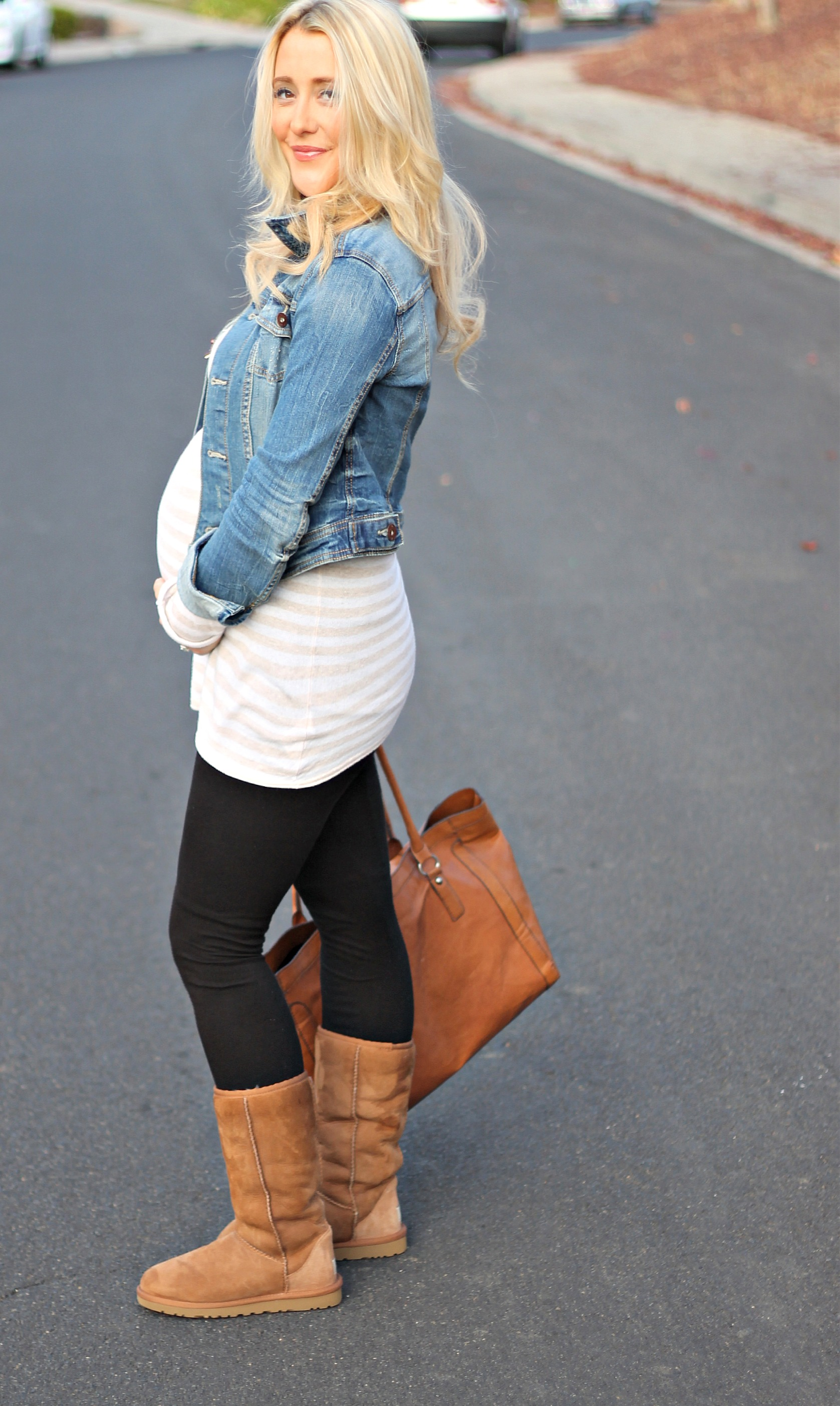 786add8e682a5 Cute Outfits To Wear With Leggings And Uggs