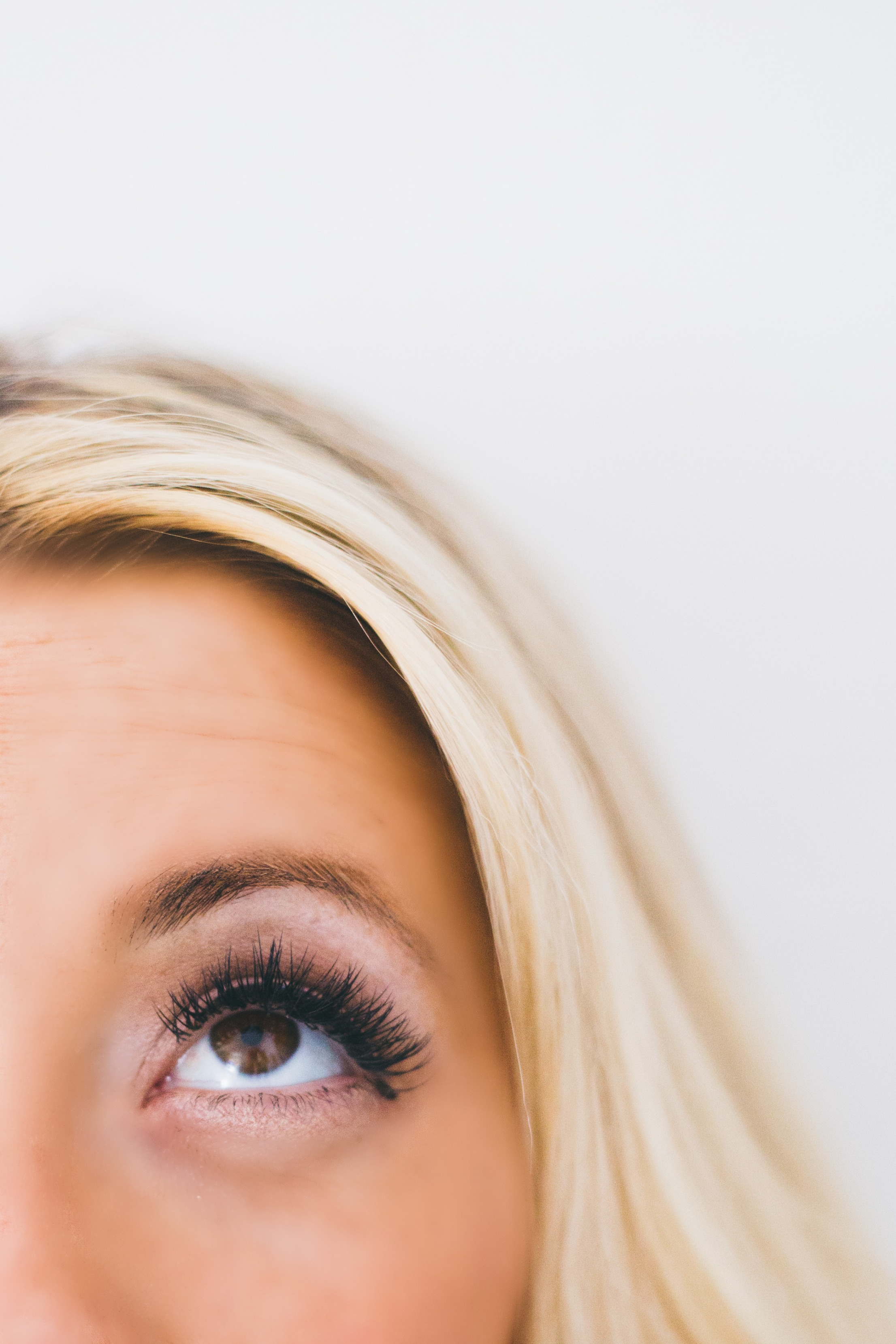 how to take off mascara on eyelash extensions